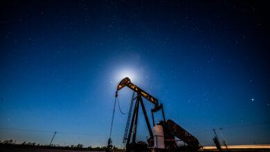Photo of O petróleo sobe com sinais de melhora na demanda dos EUA