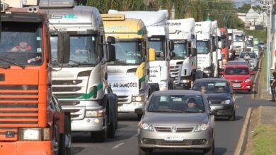 Photo of Caminhoneiros recorrem à Petrobras pelo fim da paridade de preços